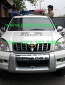 丰田霸道警车安装美国联邦信号道奇VISTA长排警灯美国VS SIGNAL HF21轮闪器美国CARSON SA800
